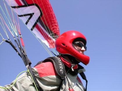 Rodolfo Saccani in decollo a Trevignano, sul lago di Bracciano